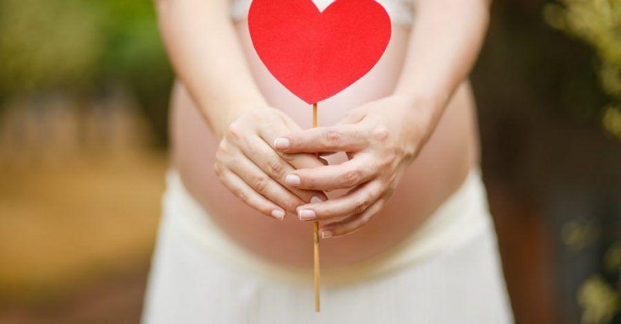 embarazada manchando