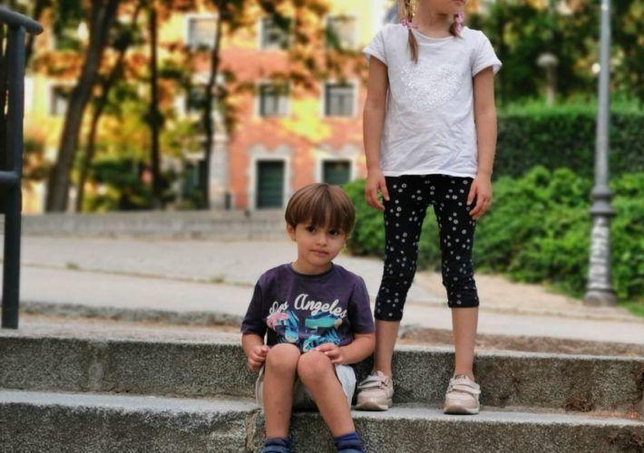 padres autoritarios